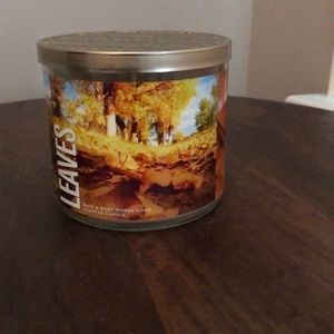 NEW Bath & Body Leaves 3 Wicks Candle